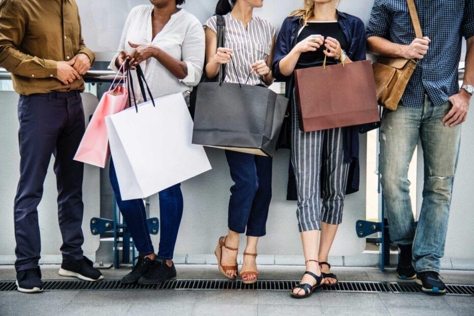 black friday fashion friends 1345082 930x620 - Tiendas Especializadas: un sector multidisciplinar que aglutina un alto porcentaje de la facturación en franquicia