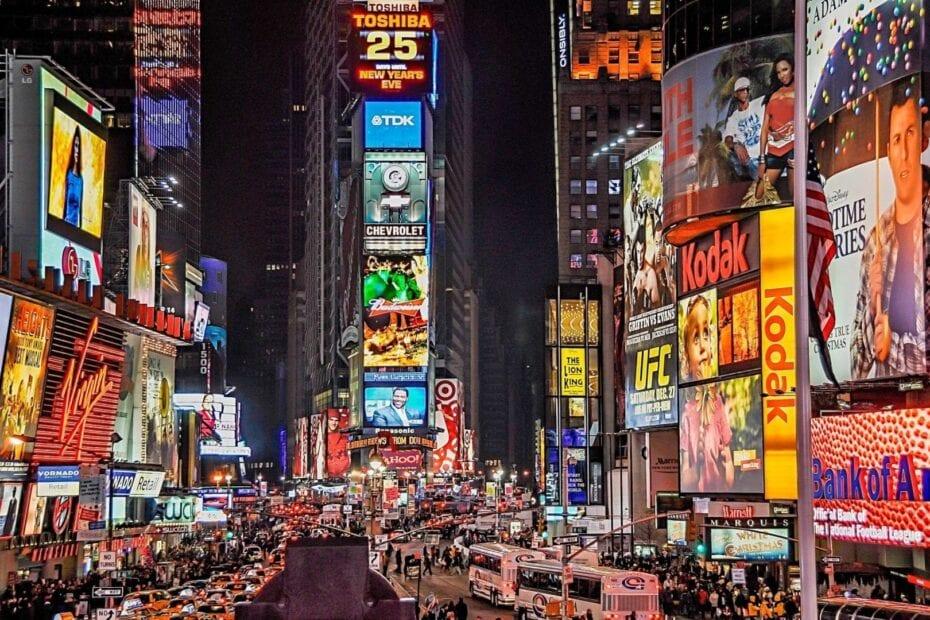 ads architecture billboards 802024 930x620 - El gran secreto de las franquicias son sus protagonistas